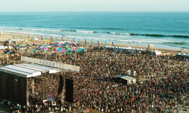 KROQ'S Back To The Beach Festival in 10 Stunning Photos