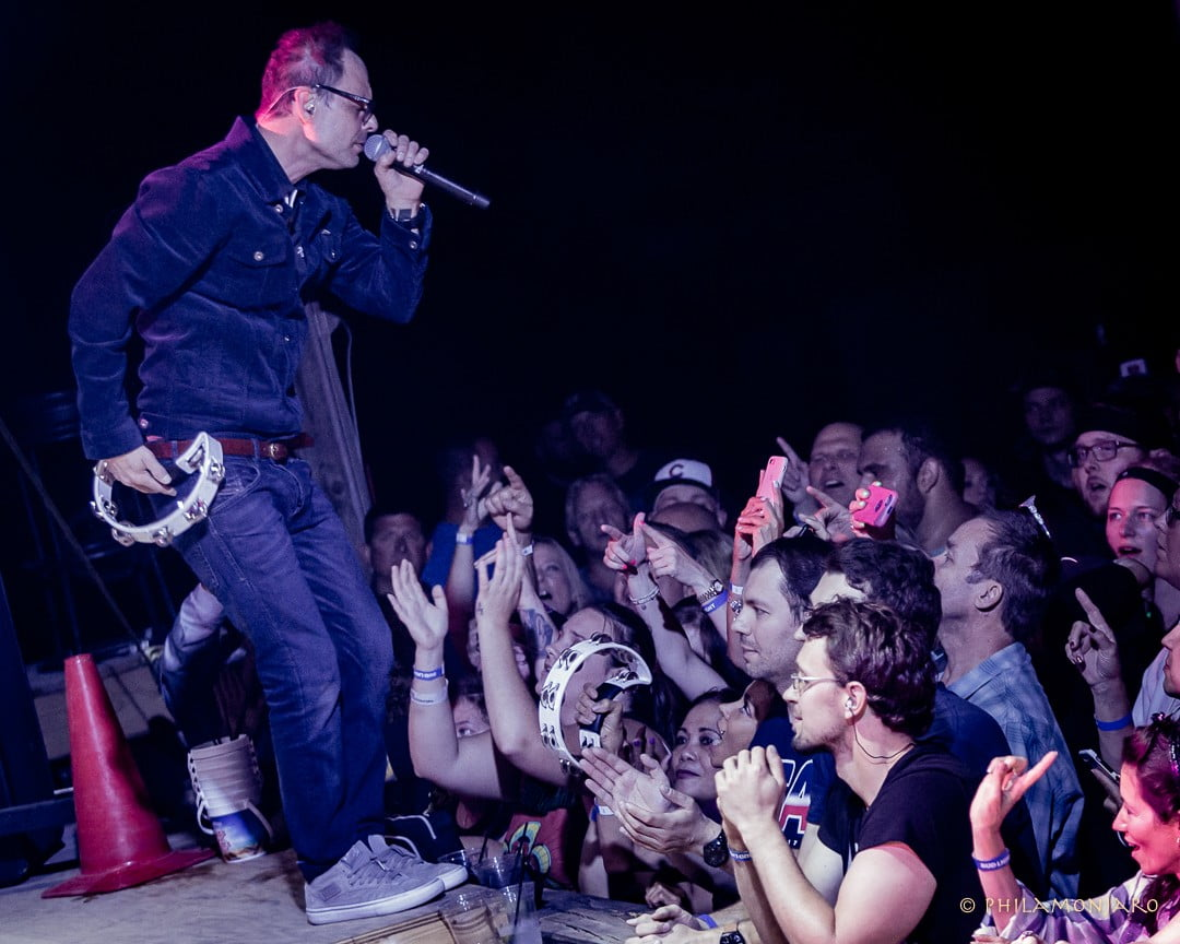 Inside the 'Mixed Reality' of Gin Blossoms